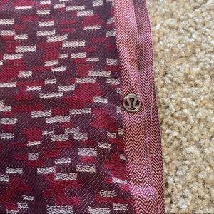 Lululemon knit shall scarf